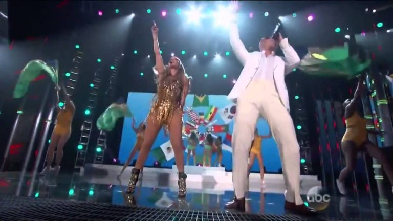 Billboard Latin Music Awards 2014 Pitbull & Jennifer Lopez